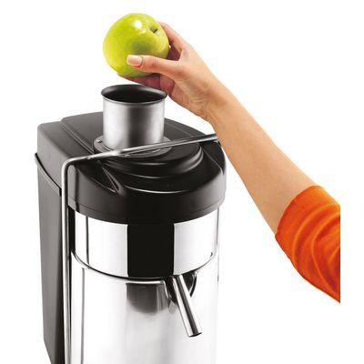 ceado es500 centrifugal juicer in use