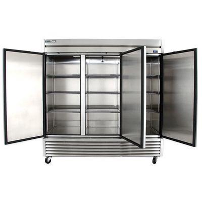 true t-72f solid reach in freezer door open