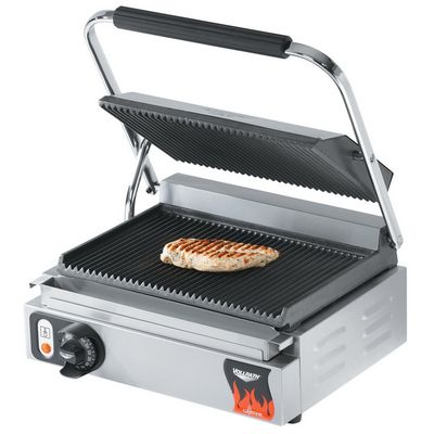 vollrath 40794 commercial grooved sandwich grill in use