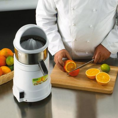 waring jc4000 citrus juicer in kitchen set